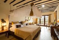 TZ-Breezes-bedroom