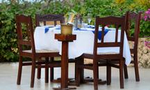TZ-Breezes-dining